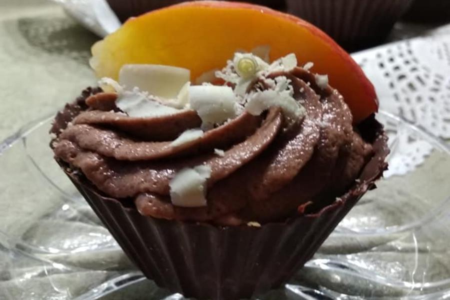 Κολασμένα ατομικά γλυκάκια με μπολ από σοκολάτα, κρέμα πραλίνας,  & μπισκότα!