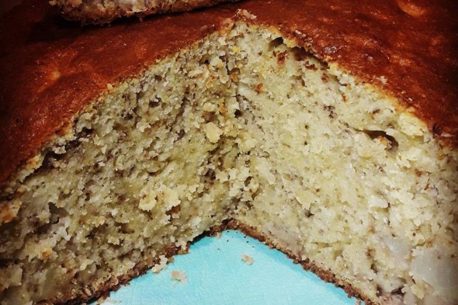 Ζουμερό κέικ που δεν θρυμματίζεται με φρούτα & καρύδια!