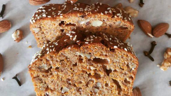 Κέικ καρότο με ξηρούς καρπούς και αλεύρι ολικής! Χωρίς ζάχαρη!