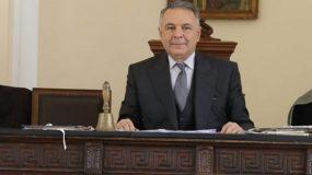 «Άγριες Μέλισσες»: Ο «δικαστής» στη δίκη της «Λενιώς» είναι αδελφός κορυφαίου υπουργού! (εικόνες)