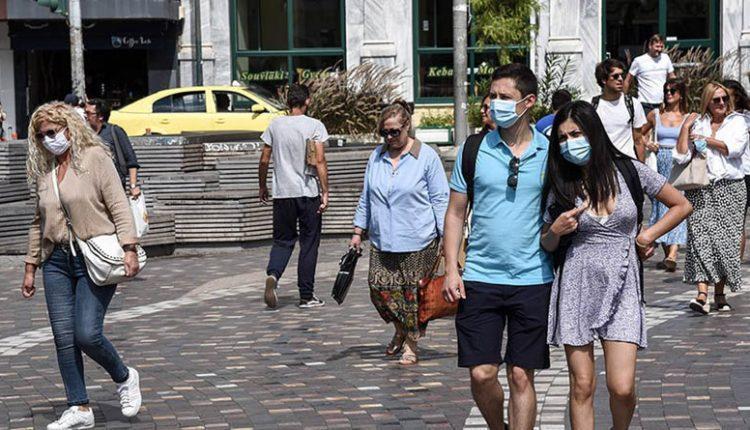 Κορονοϊός: Μάσκες παντού και κλείσιμο των πλατειών