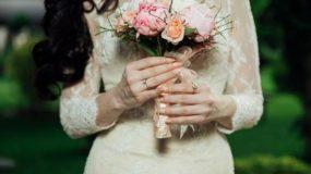 """"""" Η νύφη είναι ελεύθερη γιατί το έχει ξαναζήσει. """" Ένα κείμενο αφιερωμένο σε αυτές που παντρεύονται δεύτερη φορά"""