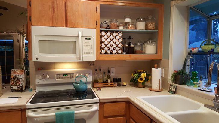καθαρίζω τον πάγκο της κουζίνας