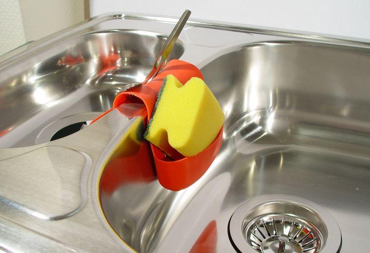 σφουγγάρι για τα πιάτα
