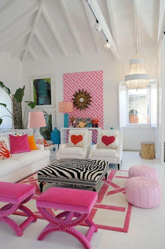 Οι τάσεις που θα κυριαρχήσουν στην διακόσμηση το 2021: Ροζ, κόκκινα και φούξια χρώματα στα έπιπλα και στους τοίχους στο σαλόνι ιδέες