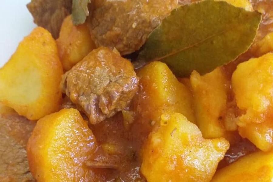 Πατάτες γιαχνί με μοσχάρι – Ένα μαμαδίστικο φαγάκι που λιώνει στο στόμα