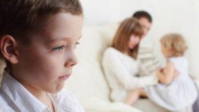 Αντιζηλία ανάμεσα στα παιδιά: Γιατί τα αδέρφια έχουν αντιζηλία & πως την αντιμετωπίζουμε;