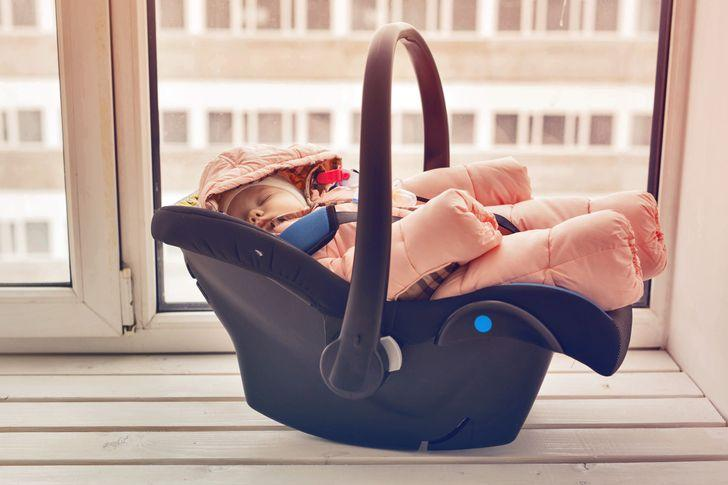 12 λάθη που όλοι οι γονείς έχουν κάνει: αφήνουμε το παιδί στο κάθισμα του αυτοκινήτου για μεγάλο χρονικό διάστημα