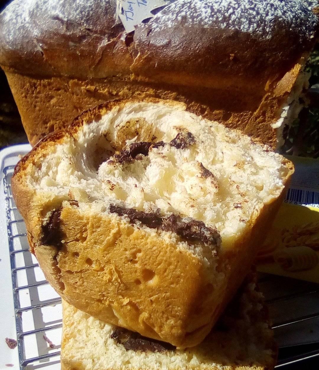 Κέικ αφράτο σαν τσουρέκι με γέμιση Μερέντα συνταγή