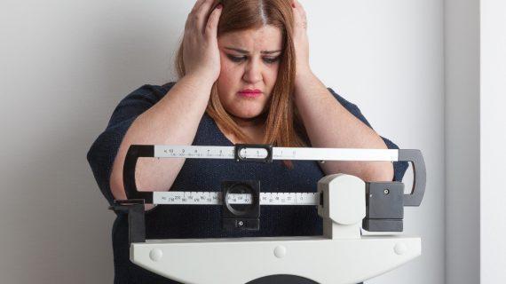 Πως να βοηθήσω την   έφηβη κόρη να  απαλλαγεί από τα παραπανίσια κιλά – Ειδικοί συμβουλεύουν