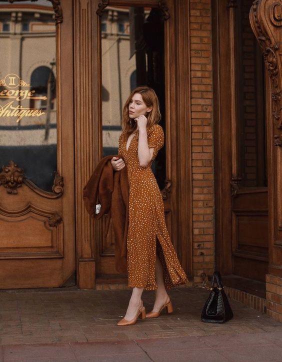 Τα πιο trendy φορέματα για το Φθινόπωρο: μουσταρδί πουά φόρεμα
