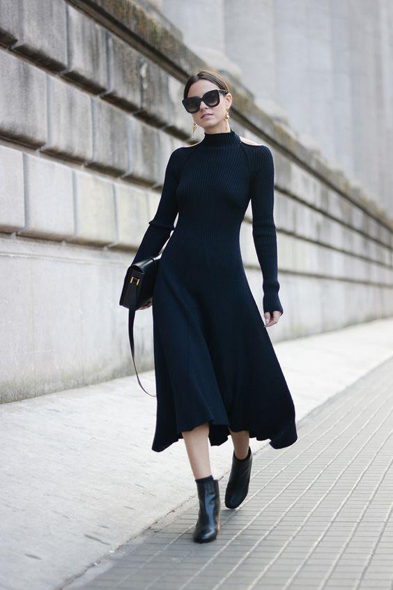 Τα πιο trendy φορέματα για το Φθινόπωρο: μαύρο μακρύ αέρινο φόρεμα