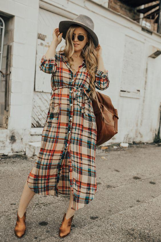Τα πιο trendy φορέματα για το Φθινόπωρο: καρό αέρινο και μακρύ φόρεμα