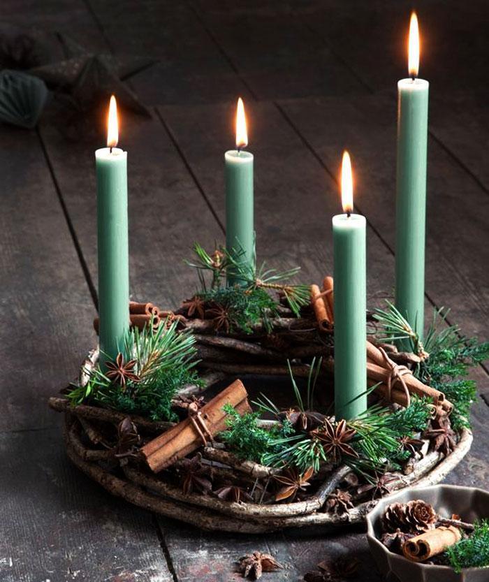 Christmas Decorating Trends 2020: πράσινα κεριά για την χριστουγεννιάτικη διακόσμηση