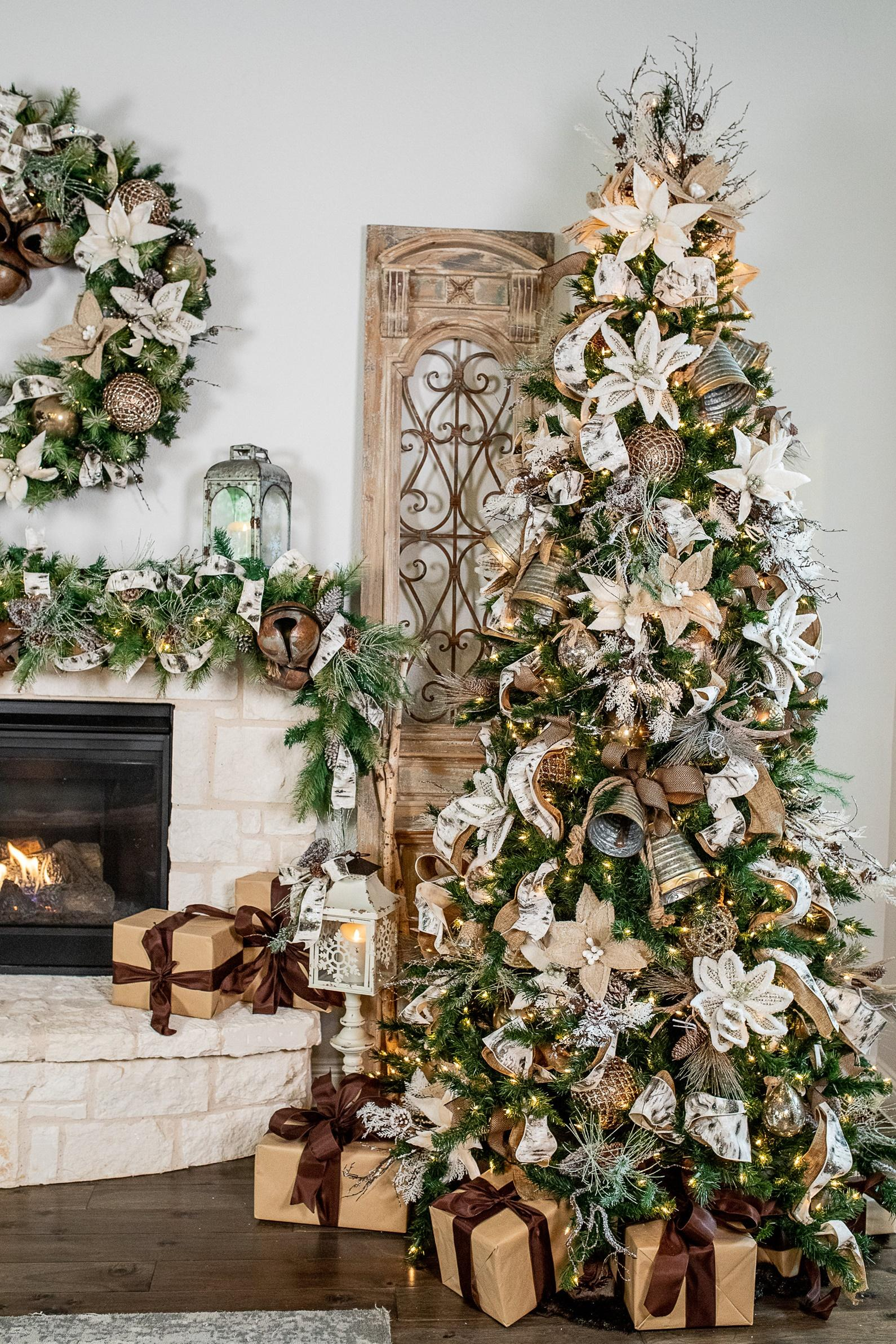 Christmas Decorating Trends 2020: Neutral αποχρώσεις στην χριστουγεννιάτικο δέντρο