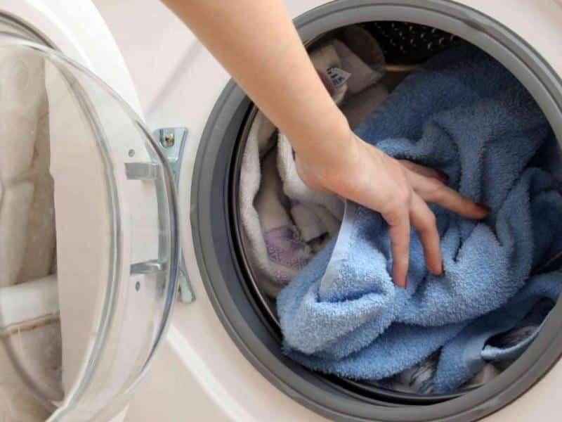 Ο σωστός τρόπος για να πλύνουμε τις κουβέρτες μας: το πλυντήριο