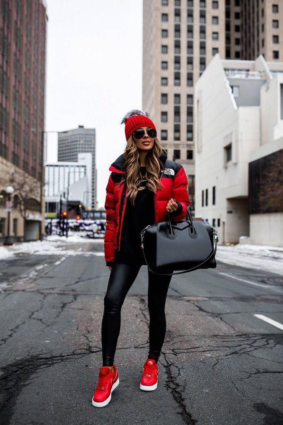 Puffer jackets: κόκκινο puffer jacket με μαύρα σχέδια