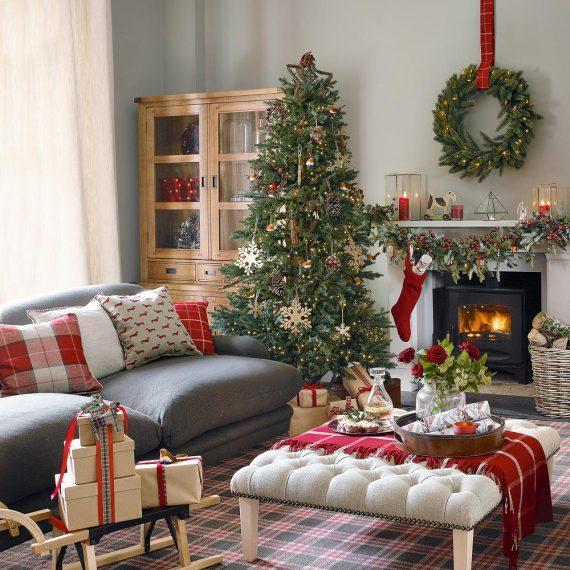 παραδοσιακός Χριστουγεννιατικος στολισμός