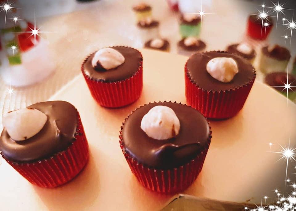 Σοκολατάκια πραλίνας με 3 υλικά