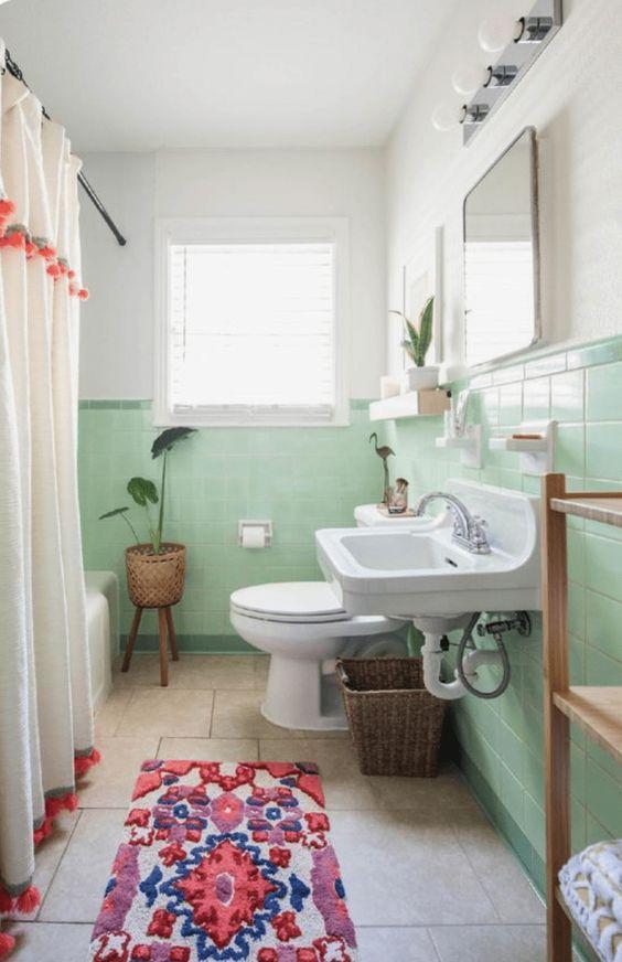 Vintage διακόσμηση στο σπίτι: πράσινα πλακάκια στο μπάνιο