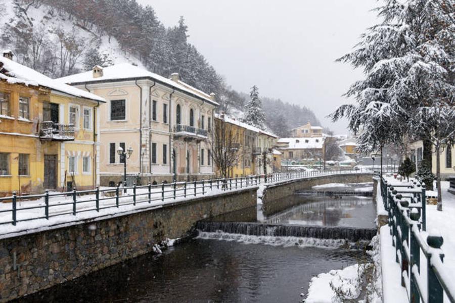 Χειμερινός προορισμός: Δες όλες τις κρυμμένες ομορφιές της Φλώρινας – Καιρός να την επισκεφθείς