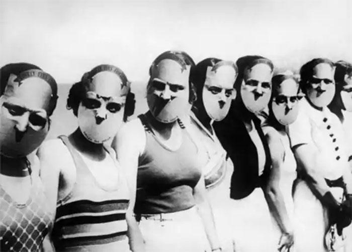 """30 Αδιανόητα πράγματα που οι γυναίκες έκαναν στο παρελθόν για να δείχνουν """"όμορφες"""" : Διαγωνισμός ομορφιάς το 1930"""