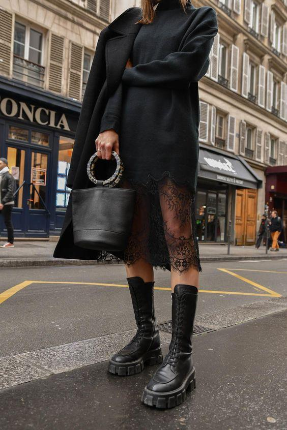 Chunky Boots: Μαύρο φόρεμα με δαντέλα στο τελείωμα και μαύρο σακάκι