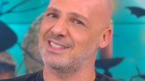 Η απάντηση του Νίκου μέσα από την εκπομπή του σε αισχρό μήνυμα που δέχθηκε: «Τα φιλιά μου που@@ρα»