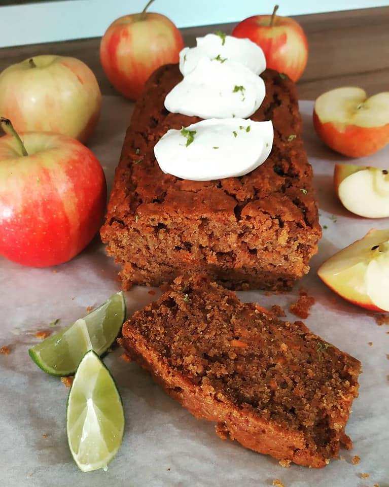 Κέικ μήλου χωρίς ζάχαρη με μέλι, ελαιόλαδο  χωρίς αυγά
