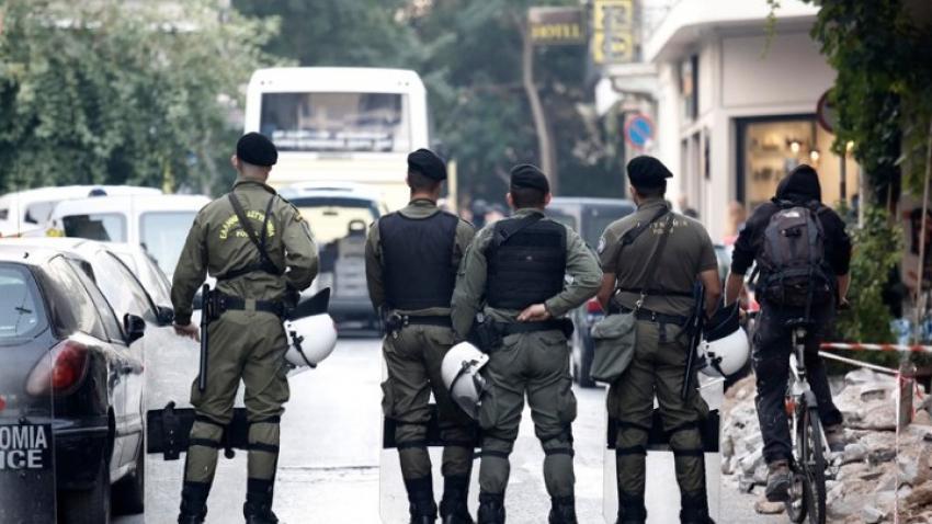 Σοκ: 5χρονος χτυπήθηκε   από αστυνομικούς με γκλοπ – Η απάντηση της Ελληνικής Αστυνομίας