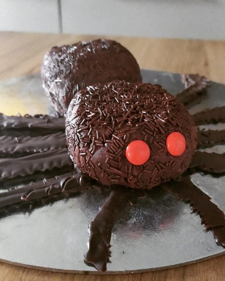 Συνταγή για Αποκριές_ Σοκολατένια αράχνη_Συνταγη _