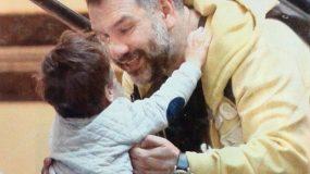Γρηγόρης Αρναούτογλου: Ο γιος του έγινε εφτά χρονών (εικόνα)