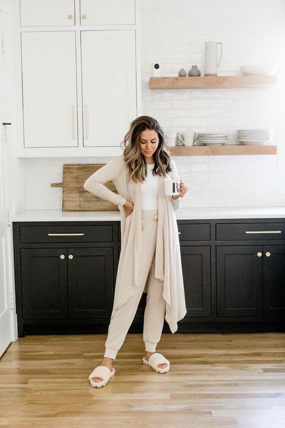 Ιδέες για ρούχα μέσα στο σπίτι για να είμαστε πάντα περιποιημένες: Ζαχαρί φόρμα, ζαχαρί ζακέτα και ζαχαρί χειμωνιάτικες παντόφλες