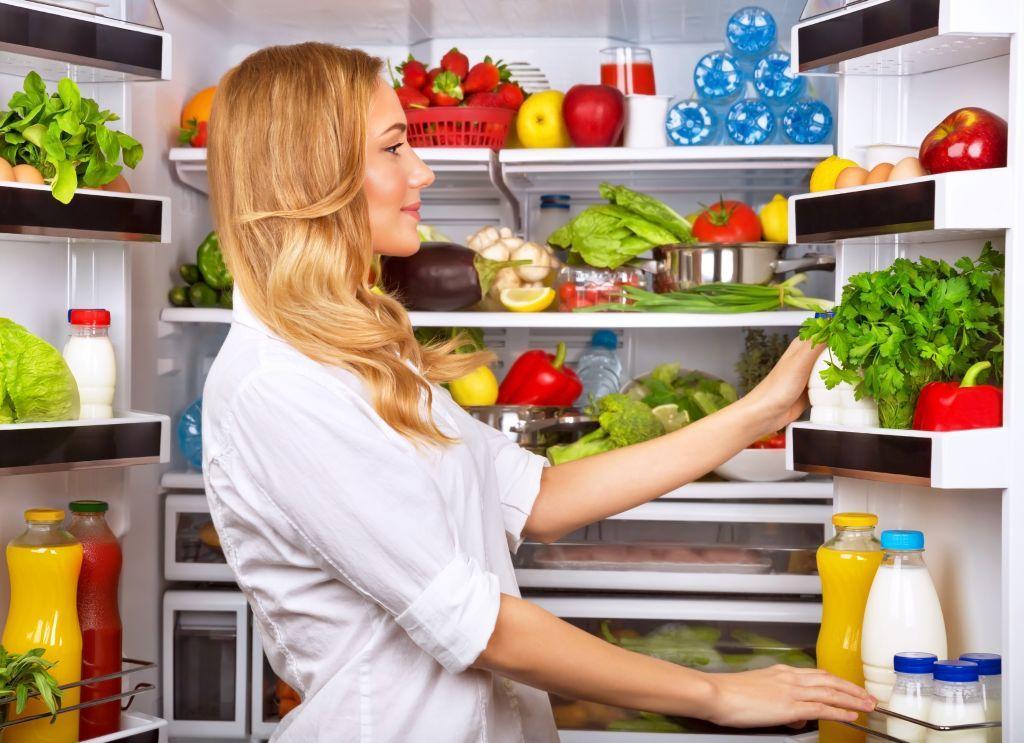 Έλεγξε το βάρος σου στην καραντίνα: Μην αγοράσεις παχυντικά και ανθυγιεινά σνακ και φαγητά!