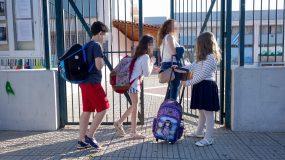 Ανώτατη Συνομοσπονδία Γονέων Μαθητών Ελλάδας (Α.Σ.Γ.Μ.Ε.) : Μειώστε άμεσα τους μαθήτες ανά τάξη
