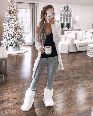 Ιδέες για γυναικείες παντόφλες 2020: Γούνινες παντόφλες σαν μποτάκια