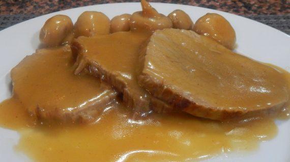 Μοσχαράκι νουά με βελούδινη σάλτσα πορτοκάλι (βίντεο)