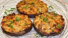 Μανιτάρια γεμιστά με τυρί κρέμα & γκούντα – Σκέτη κόλαση