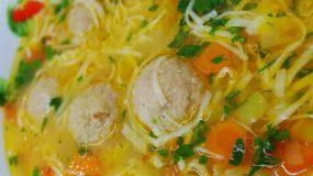Ρουμανική σούπα γιουβαρλάκια – Απλά λαχταριστή