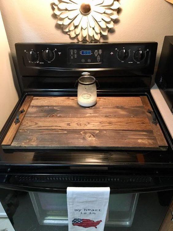 ξύλινο κάλυμμα για τον φούρνο από παλιά ντουλάπια
