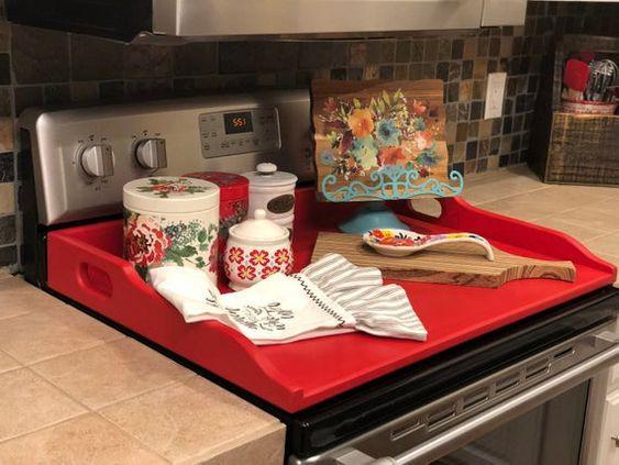 Diy ξύλινα καπάκια για τον φούρνο της κουζίνας: Ξύλινο καπάκι για τον φούρνο από ξύλινο δίσκο σερβιρίσματος