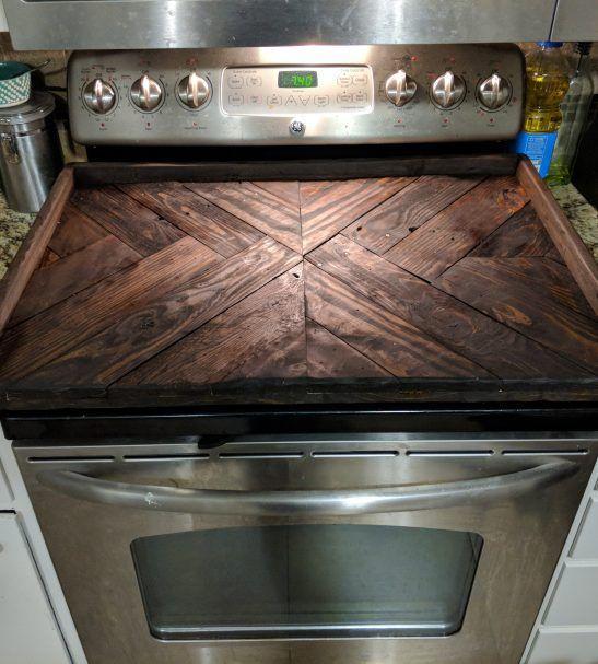 Ξύλινα καλύμματα της κουζίνας από παλιά ξύλα