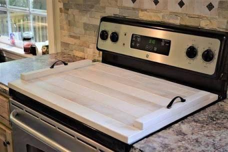 Ξύλινο κάλυμμα της κουζίνας σας σε λευκές αποχρώσεις