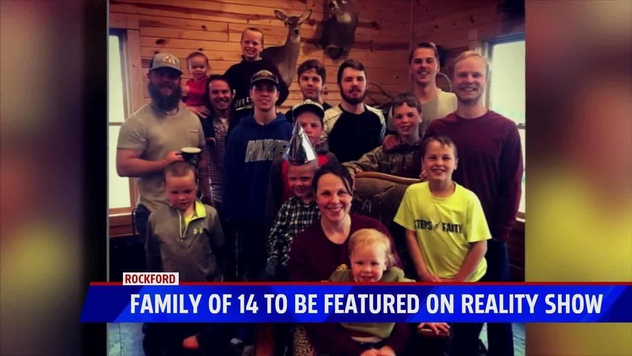 Απίστευτο: Γονείς με 14  γιους  απέκτησαν επιτέλους  την κ0ρη (βίντεο)