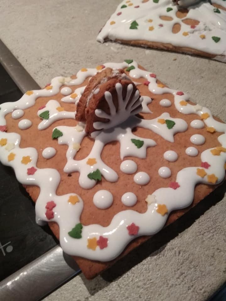 Καπάκι για χριστουγεννιάτικα φαναράκια από μπισκότο