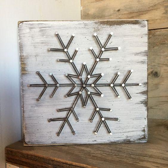 Ιδέες για χριστουγεννιάτικα diy κεραμικά σουβέρ: Χριστουγεννιάτικο κεραμικό σουβέρ με σχέδιο χιονονιφάδα