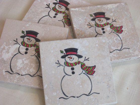 Ιδέες για χριστουγεννιάτικα χειροποιητα κεραμικά σουβέρ: Χριστουγεννιάτικα κεραμικά σουβέρ με σχέδιο χιονάνθρωπος
