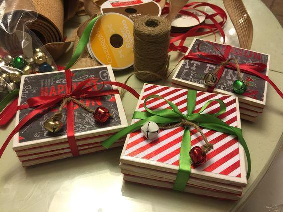 Κεραμικά σουβέρ με χριστουγεννιάτικα χάρτινα αυτοκόλλητα