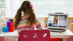 Τηλεκπαίδευση: Ξεκινούν σήμερα τα μαθήματα για τα Δημοτικά