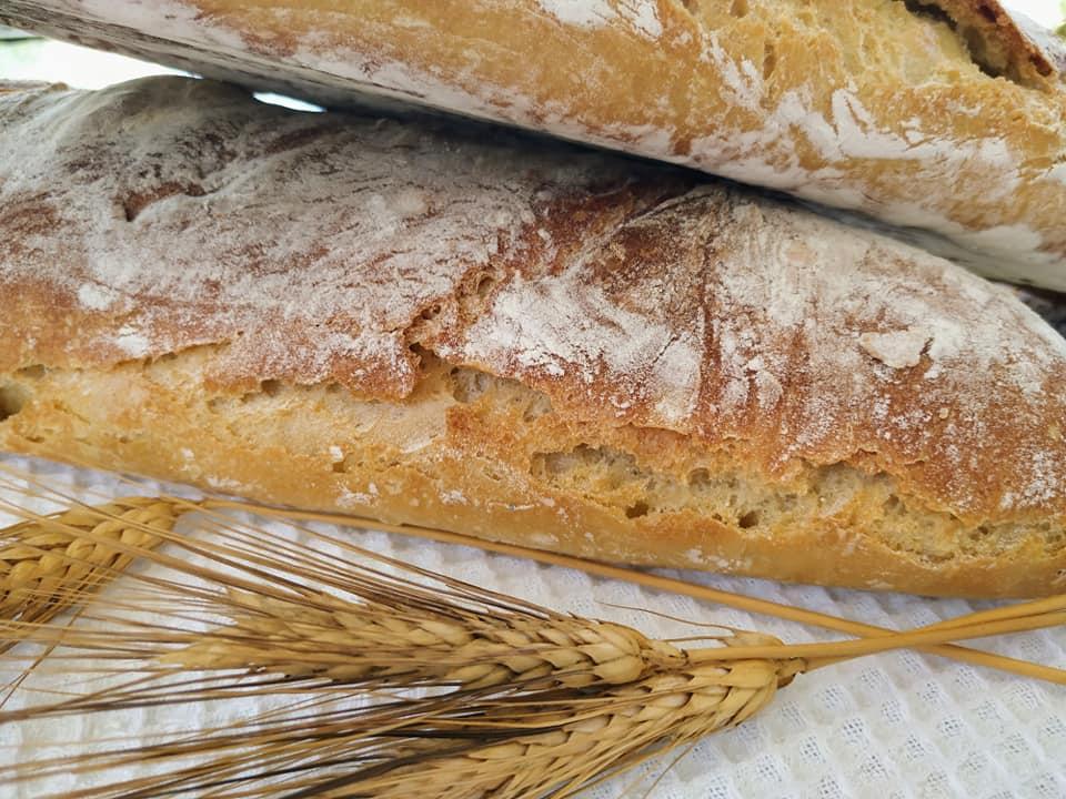 Συνταγή για χωριάτικο τραγανό ψωμί